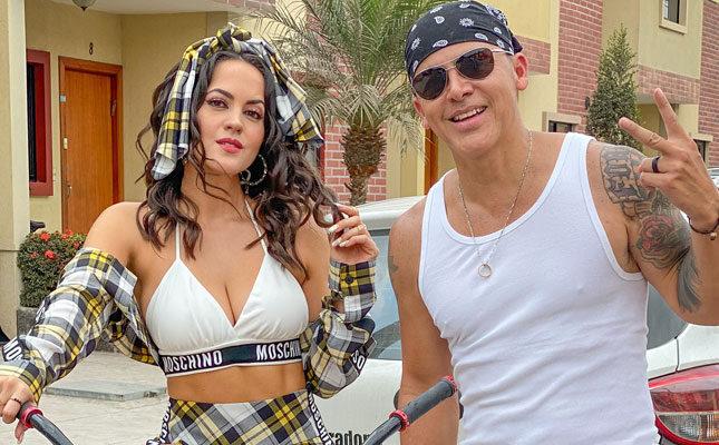 Sophy Mell canta junto a Gerardo Mejía